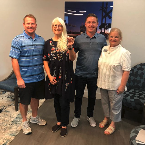 brackmosshartrealtor Happy closing to the Ward family! Moving here from Kansas! Pictured is the builder, lender and my client. It takes a team to make these deals come together! I have helped people relocate from California, Texas, Idaho, Virginia and Kansas! I can help you call Oklahoma home